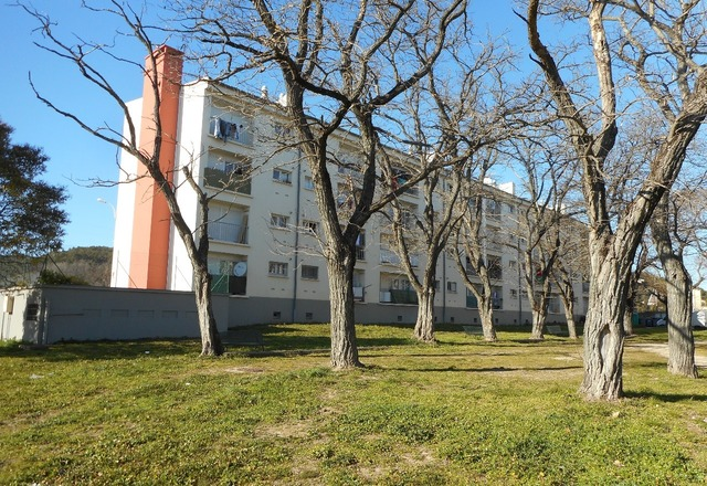 Appartement comprenant 4 pieces   30200 SAINT-NAZAIRE